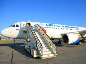 самолет совершает частный авиарейс